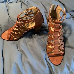 SO brown leather heels